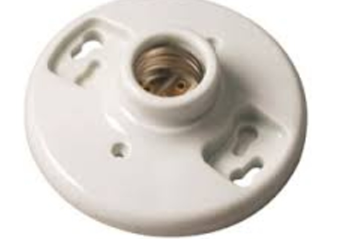 Hero 332 porcelain lamp holder  pull chain engineered products company  epco