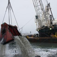Thumb 559 dredging equipment