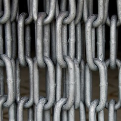 Thumb 579 chains